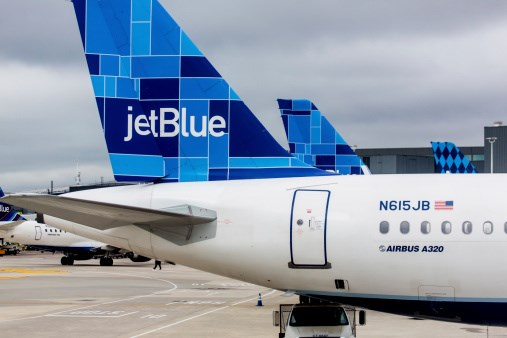 How JetBlue crashed its social media brand